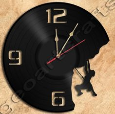 Climbing Vinyl Record Clock home decoration via GeoArtCrafts. Click on the image to see more!