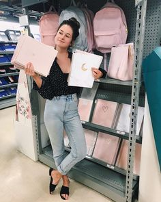 Emma Verde went for a walk in different wholesale offices to autograph … - Back To School Emma Verde, Unicorn Surprise, Pretty Notes, School Items, Anime Child, Back To School Supplies, Study Inspiration, Studyblr, Stationery Design