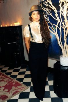 The original style trendsetter. Lisa Bonet walked to the beat of her own drum and is still amazing.