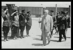 #Mersin İlk defa göreceğiniz güzel bir fotoğraf.. 20 Mayıs 1938 #Atatürk'ün #Mersine  son ziyareti.. İstasyonda askeri karşılama yapılırken..