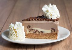 Chocolate Hazelnut Cheesecake Topped with Hazelnut Crunch and Nutella® Cheesecake Factory Desserts, Best Cheesecake, Cheesecake Recipes, Sweet Recipes, Real Food Recipes, Dessert Recipes, Yummy Food, Yummy Recipes, Types Of Desserts