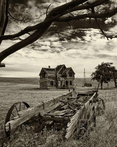 Abandoned Farm.  If only that old house could talk, what stories I'll bet it could tell.  Probably a family once lived in that old house and it was loved!