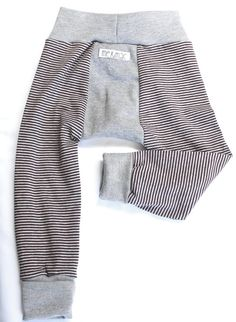 Baby boy leggings with contrasting front and back gusset.