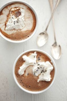 lavender hot chocolate. love this idea for a Winter wedding!
