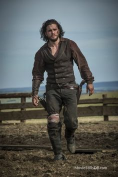 Kit Harington Is a Super Sexy Gunslinger in 'Brimstone' Stills!: Photo Kit Harington is playing a gunslinger in the upcoming movie Brimstone and he looks super sexy in the stills from the film! The movie is about a frontier woman… John Snow Got, Jon Snow, Kit Harington, Jon Schnee, Guy Pearce, Divas, King In The North, Hollywood Actor, Star Wars