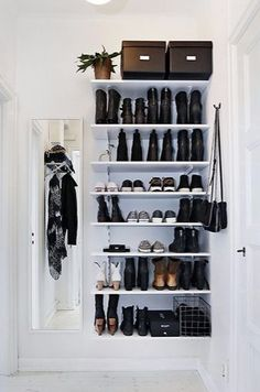 Bedroom – Closet Bedroom – Closet – Home Diy Organizations Hallway Closet, Closet Bedroom, Closet Doors, Decor Room, Bedroom Decor, Home Design, Apartment Living, Home Organization, Home Deco