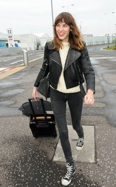 Google Image Result for http://www.company.co.uk/cm/companyuk/images/Hg/airport_outfits_alexa_chung.jpg