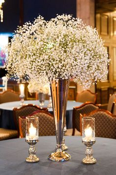Babys Breath! Such an easy yet gorgeous centerpiece. Love it! #flowers #ldswedding #sandiegowedding