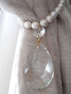 Set of 2 pearls and GLASS crystals Two decorative curtain tiebacks - drapery holder - tie backs curtain, vintage drops Cortinas Shabby Chic, Shabby Chic Curtains, Curtain Tie Backs Diy, Curtain Ties, Grey Curtains Bedroom, Drapes Curtains, Pvc Pipe Crafts, Curtain Holder, House Plants Decor