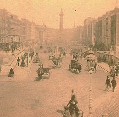 An early print of O'Connell Bridge and Street Formally known as Sackville Street and before that Drogheda Street Ireland Pictures, Old Pictures, Old Photos, Vintage Photos, Castles In Ireland, Ireland Homes, Dublin Street, Dublin City, Irish Independence