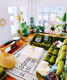 home decor eclectic home decor Bohemian Latest And Stylish Home decor Design And Life Style Ideas Eclectic Living Room, Boho Living Room, Eclectic Decor, Living Room Designs, Retro Living Rooms, Living Room With Plants, Eclectic Modern, Bohemian Living, Living Area