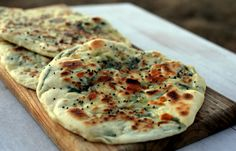 Guest Recipe: Lailah's Garlic, Cheese & Spinach Naan Print Prep time 5 mins Cook time 25 mins Total time 30 mins Author: Skinnymixer's Recipe type: Guest Recipe Cuisine: Indian Serves: Ingredients cloves of garlic, peeled 2 tsp instant dried yeast 500 g Garlic Cheese, Spinach And Cheese, Baby Spinach, Garlic Naan, Garlic Spinach, Raw Garlic, Empanadas, Thermomix Bread, Recipes With Naan Bread