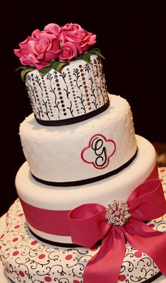 Bake Me A Cake Pastry Shop & Bakery    Orlando, FL  WEBSITE | bakemeacake.net via http://www.fashionablebride.com/gallery/346/planninginspiration/Wedding-Cakes/Bake-Me-A-Cake-Pastry-Shop-Bakery#    Orlando, FL    WEBSITE | bakemeacake.net