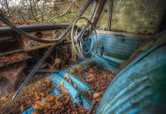 abandoned blue hillman minx. Canon 5D MKIII, ISO 1000, Aperture F2.8, 7 Exposures from -3 to +3 E.V #Urbex #ArtHakker #HDR