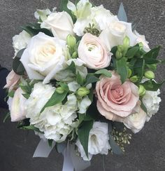 great vancouver florist Katherine's beautiful bridal for today. Love the Hanoi ranunculus and quick sand roses. #vacouverweddings #flowerfactory by @flowerfactory  #vancouverflorist #vancouverflorist #vancouverwedding #vancouverweddingdosanddonts