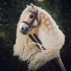 Hobbyhorse by Eponi. Horse Galloping, Stick Horses, Cute Ponies, Hobby Horse, Horse Crafts, Horse Stalls, Horse Photos, Horse Art, Hobbies And Crafts