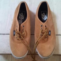 Vans sneaks Suede vans good condition Vans Shoes Sneakers