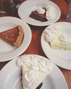 Do you want FREE pie? You're in luck, it's Free Pie Monday! Buy one entrée and get a FREE slice of pie. ☺ #pie #dessert #mariecallenders  PC: @goodeatsblog