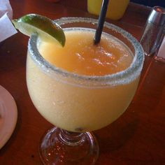 the BEST margarita EVER! peach margarita from the Texas RoadHouse