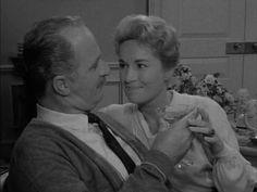 Twilight Zone: Season 1, Episode 36 A World of His Own (1 Jul. 1960) Keenan Wynn, Mary LaRoche