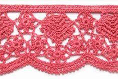 Lot of free crochet edging patterns - beautiful! Picot Crochet, Crochet Motifs, Crochet Stitches Patterns, Crochet Chart, Thread Crochet, Knit Or Crochet, Crochet Designs, Stitch Patterns, Crochet Trim