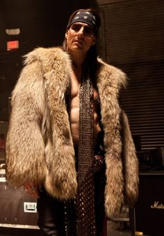 "Rock of Ages.Tom Cruise as ""Stacee Jaxx"".hell yea rockin the bandana; Tom Cruise, Top Gun, Katie Holmes, Nicole Kidman, It Movie Cast, I Movie, Pop Culture Halloween Costume, Halloween Costumes, Halloween Ideas"