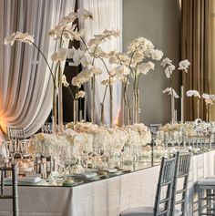 With so many luxurious classy wedding reception ideas in this post, there's no surprise that you guys will pin these inspiration like crazy! Wedding Table Centerpieces, Wedding Flower Arrangements, Floral Centerpieces, Reception Decorations, Wedding Bouquets, Wedding Flowers, Reception Ideas, Flower Decorations, Mod Wedding