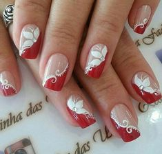 Decorated nails: trends in manicure for Autumn / Winter # nails decorated - Best Nail Art Fancy Nails, Red Nails, Cute Nails, Red Nail Art, Nail Tip Designs, Acrylic Nail Designs, Nails Design, Christmas Nail Art Designs, Christmas Nails