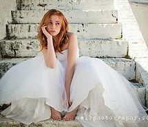 Google Image Result for http://cdnimg.visualizeus.com/thumbs/a9/72/bride,stairs,wedding,woman-a9725dc0aec3f7bcb67fdadf8f1f9ef9_m.jpg