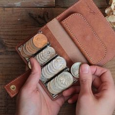 all you should know about wallets for women Leather Wallet Pattern, Handmade Leather Wallet, Leather Gifts, Leather Craft, Leather Bag, Leather Skin, Black Handbags, Leather Handbags, Coin Wallet