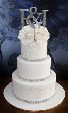 Sandy's Cakes: Ryan & Jess's Stunning Wedding Cake