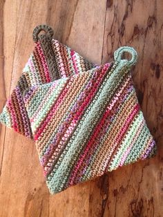 Ravelry: chitweed's Double-thick Diagonally Crocheted Potholder