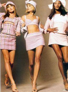 2000s Fashion, Runway Fashion, High Fashion, Fashion Trends, Chanel Fashion, Fashion In The 90s, 1990s Fashion Outfits, Cheap Fashion, Couture Fashion