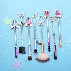 Buy Sailor Moon Dark Gold Brush Set at Bijou Blossoms for only $33.00 USD