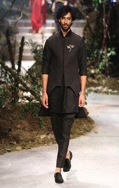 New Ideas Fashion Week Winter 2019 Autumn India Fashion Men, Men's Fashion, Indian Men Fashion, Trendy Fashion, Wedding Dresses Men Indian, Wedding Dress Men, Wedding Outfits, Wedding Groom, Kurta Men