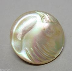 Vintage-Small-Round-Oyster-Iridescent-Natural-Shell-Nacre-MOP-Button-st14