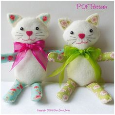 Cat Doll PDF Sewing Pattern and Tutorial Dizzy Izzy Kitty Handmade Felt Owl Pillow Lavender Scented by SewJuneJones on Etsy { Cat Doll } - PDF Sewing Pattern - BEST SELLER I love cats. I live with 3 charmers. I wanted to design a cat doll with personality Softie Pattern, Cat Pattern, Blog Bebe, Sewing Stuffed Animals, Fabric Toys, Felt Cat, Easy Sewing Patterns, Cat Doll, Handmade Felt