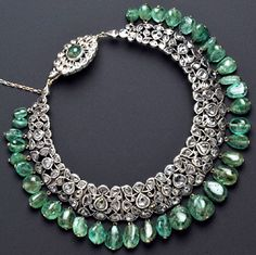 Cartier antique diamond & emerald bead fringe necklace, designed as a collar of variously shaped rose-cut diamonds, suspending a fringe of thirty-five emerald bead drops Cartier Jewelry, Emerald Jewelry, Antique Jewelry, Vintage Jewelry, Jewelry Necklaces, Emerald Necklace, Antique Necklace, Emerald Rings, Pearl Necklaces