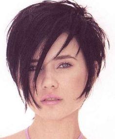 Idée coupe courte : Short dark hair styles image 54.