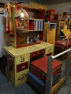 The most amazing Harry Potter desk around. My mom MADE this, and she is a freaking WIZARD! anne-tiques.net