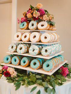 Donut cake #MásQ1Boda #pasteldebodas #tendencias