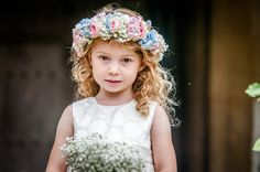 Real #wedding inspiration - a floral celebration in #Cranford: http://www.weddingandweddingflowers.co.uk/article/1349/a-flower-filled-wedding-in-cranford%2C-followed-by-a-reception-at-hinwick-house