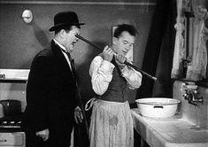 Laurel & Hardy - Helpmates - 1931