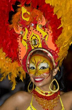 Barranquilla Carnaval in Colombia is one of the best Travel Log, Travel Tours, Travel And Tourism, Travel Agency, Colombian People, Colombian Women, Brazilian People, Carnival Makeup, Single Travel