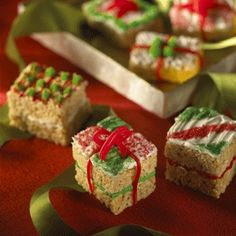 Stacks of Kellogg's® Rice Krispies Treats® make delightful little gifts for family and friends.