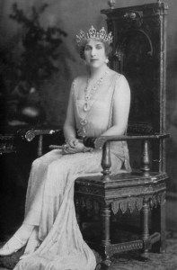Queen Victoria Eugenia of Spain wearing her aquamarine tiara by Ansorena, before it was remodeled into a tiara made of a series of concentric circles with aquamarine drops.