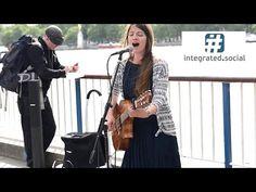 Ne me quitte pas (French Guitar Street Performance) Susana Silva - Street performer - YouTube