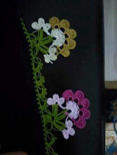 güzel bir modelle benziyor:) Kare Kare, Needle Lace, Diy And Crafts, Crochet Earrings, Knitting, Pattern, Handmade, Knits, Tricot
