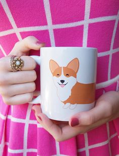Choose between a tri-color corgi or a red and white corgi! 11 oz ceramic mug (approximately 3 3/4 tall) Dishwasher safe (on top rack)*