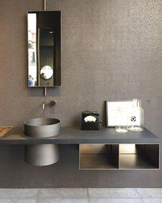 Office Bathroom, Modern Bathroom Decor, Bathroom Toilets, Bathroom Layout, Bathrooms, Guest Toilet, Toilet Design, Bath Vanities, Interiores Design